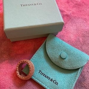 Tiffany & Co. mesh sommerset ring: Size 7